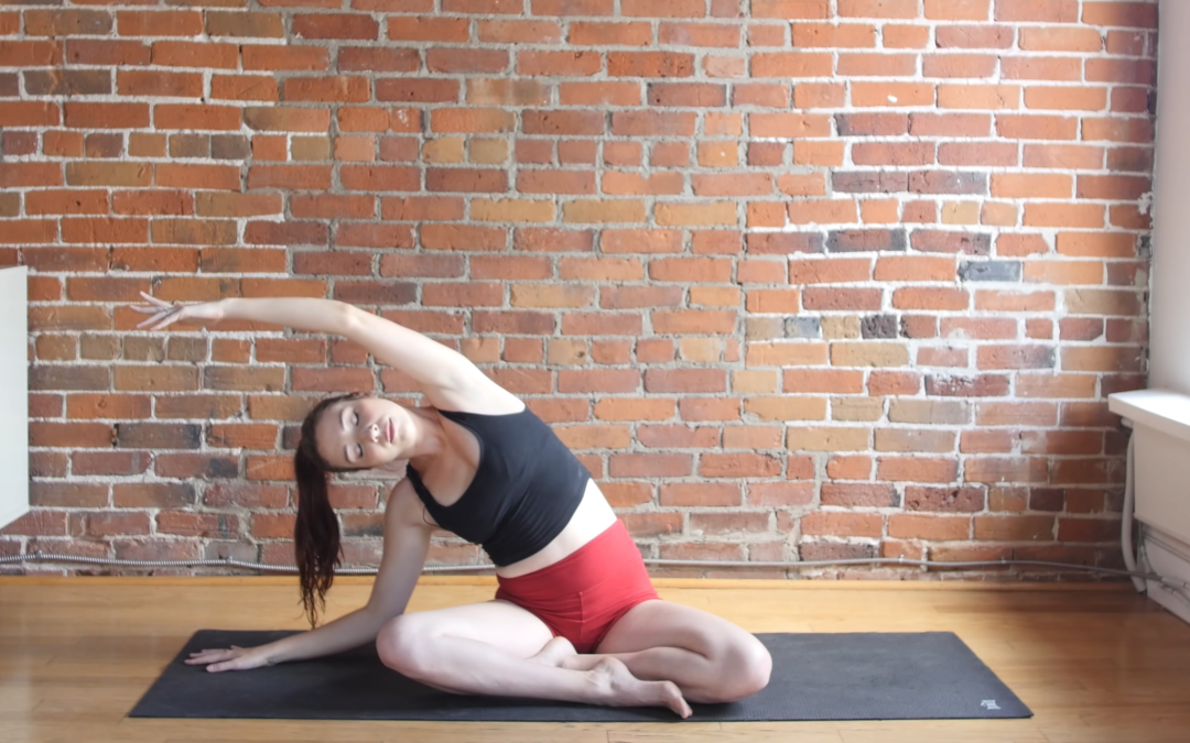 7 Beginner Yoga Stretches to Unwind Before Bed